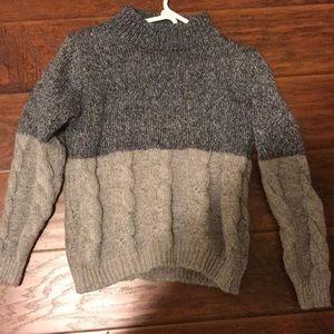 Sweaters - gray knit sweater